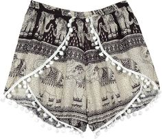Boho Shorts Outfit, Boho Outfits, Vintage Outfits, Casual Outfits, Beach Exercise, Elephant Black And White, White Bohemian, Hippie Look, Scarf Shirt