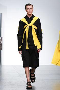 Berthold London Fashion Week Men's Spring Summer 2018 - Sagaboi - Look 18