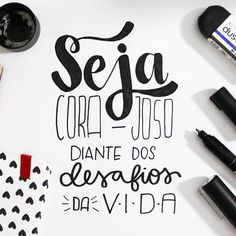 Seja corajoso diante Lettering Tutorial, Words Quotes, Art Quotes, Drawing Letters, Letter I, Posca, Brush Lettering, Don't Give Up, Doodles
