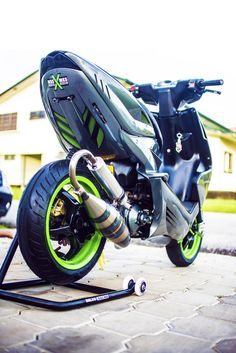 Custom Motorcycles, Cars And Motorcycles, Scooter 50cc, Scooters, Scooter Custom, Peugeot, Yamaha, Honda, Bike