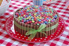 Gâteau aux smarties et kit kat