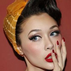 Love this Pin Up Style Hair and Makeup! :: Pin Up Girl Makeup:: Rockabilly Style:: Pinup Girl Makeup, Pin Up Makeup, Girls Makeup, Beauty Makeup, Makeup Looks, Hair Makeup, Hair Beauty, Eye Makeup, Rock Makeup