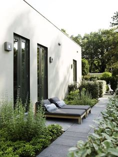 Garden Notes for a minimalist, nordic garden / garden notes – for a minimalist garden design – DESIGNSETTER – Design Lifestyle and Interior Design Magazine The Effective Pictures We Offer … Outdoor Areas, Outdoor Rooms, Indoor Outdoor, Outdoor Living, Outdoor Decor, Outdoor Furniture, Interior Design Magazine, Design Exterior, Minimalist Garden