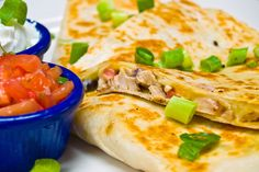 Dr Oz shared more viewer microwave recipes, including the Cheesy Chicken Quesadillas Recipe and Ginger Salmon Recipe submitted by you. Mexican Dishes, Mexican Food Recipes, Mexican Cooking, Salmon Recipes, Chicken Recipes, Recipe Chicken, Quesadilla Recipes, Steak Quesadilla, Chicken Quesadillas
