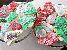 "Tricia Yearwood's ""Jennifer's Sugar Cookies"" A sturdy but moist sugar cookie! - Jacq"