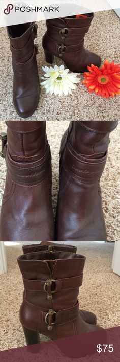 """Genuine HARLEY-DAVIDSON Leather Boots EUC! Worn 1x!! Authentic Harley-Davidson leather boots. Beautiful brown leather with zip-up inner closures. Approx heel height 4"""" including a 1/2"""" platform. Harley-Davidson Shoes Heeled Boots"""