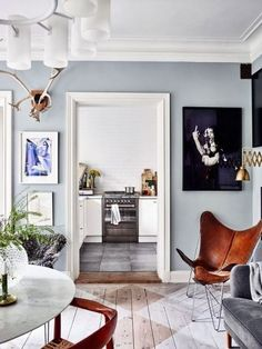 Summer Blues: 11 Super-Cool Rooms to Soothe Your Senses (Cool Paintings Rooms) Decor Room, Living Room Decor, Living Spaces, Living Area, Painted Floors, Dream Decor, Blue Walls, Cool Rooms, Home Fashion
