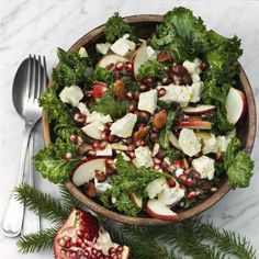 Grönkålssallad med fetaost och granatäpple - ✶ Julaftonsmorgon - En julig sida✶ Diner Recipes, Clean Recipes, Easy Healthy Recipes, Veggie Recipes, Healthy Cooking, Vegetarian Recipes, Healthy Eating, Swedish Christmas Food, Gym Food