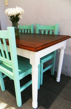 Resultado de imagen para mesas de comedor de madera decoradas Upcycled Furniture, Furniture Projects, Furniture Plans, Furniture Makeover, Vintage Furniture, Painted Furniture, Diy Furniture, System Furniture, Vintage Cafe