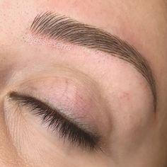 Want beautiful eyebrows? Mircoblading Eyebrows, Permanent Makeup Eyebrows, How To Grow Eyebrows, Threading Eyebrows, Eyebrow Makeup, Face Makeup, Eyebrow Tattoo, Eyebrow Shading, Eyebrow Shapes