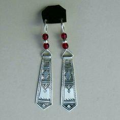 Handmade Tuareg jewelry earrings Bouclés d'oreilles bijoux tuareg en argent Jewelry Bracelets, Artisan, Drop Earrings, Gemstones, Artwork, Silver, Leather, Handmade, Ear