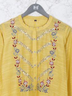 Embroidery Suits Punjabi, Embroidery On Kurtis, Kurti Embroidery Design, Embroidery Fashion, Embroidery Dress, Kurti Neck Designs, Dress Neck Designs, Kurta Designs Women, Kurti Designs Party Wear