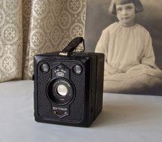 Vintage Zeiss Ikon Camera Box Tengor German Made by CynthiasAttic