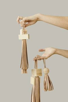 DIY statement tassels. Click through for the tutorial.