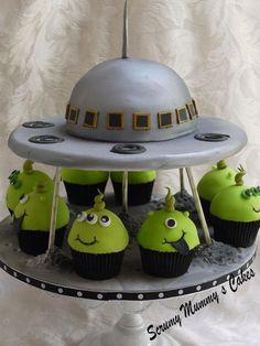 Llegaron los marcianos  Lindo pastel
