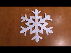 TUTORIAL - Come Fare Un Fiocco Di Neve - Capitan Canaglia - - YouTube Christmas Crafts, Xmas, Christmas Ornaments, How To Make Snowflakes, Opening Day, Frozen Party, Paper Crafts, Holiday Decor, Diy
