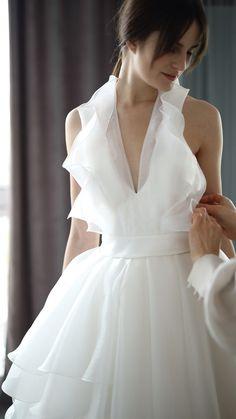 Fancy Wedding Dresses, Elegant Dresses, Pretty Dresses, Wedding Gowns, Mini Dress Formal, Diy Couture, Classy Dress, Beautiful Gowns, The Dress