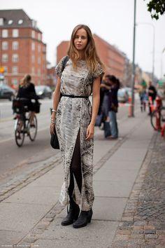 You searched for label/Fashion Trends - Flights of Fashion Zara Dresses, Tight Dresses, Girls Dresses, Slit Dress, Dress Me Up, Winter Dresses, Summer Dresses, Boho Chic, Lace Skirt