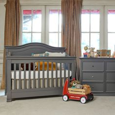 Million Dollar Baby Classic Louis 4-in-1 Convertible Crib With Toddler Bed…