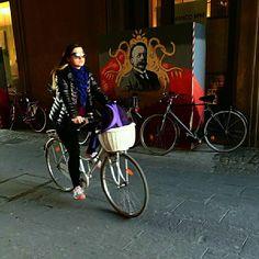 In Pista. Ciclabile.  #inpistaciclabile  #bicicletas #bicicletta #bici #pedalare #natura #nature  #pedalare #pedalandoefotografando  #green #pedalandoefotografando #igimola #igitaly #ig_imola #gf_hdr #igitalia #igemiliaromagna #ig_emiliaromagna #bicile #ciclyng  #ig_emilia_romagna #cicle #ciclo #cicloturismo #cicloreporter #bologna #yallersemiliaromagna #igbologna #bologna #hdr #hdrphotography #certocheconunaleica