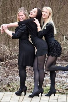 Pantyhose Fashion, Pantyhose Outfits, Black Pantyhose, Tights Outfit, Black Tights, Nylons, Sheer Tights, Carla Brown, Lovely Legs