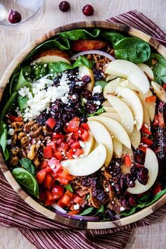 35 Fall-inspired salads to spice up lunch and dinner!