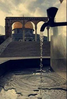 Musa Akkaya, Mescid-i Aksa Beautiful Mosques, Beautiful Places, Muharram Wallpaper, Jerusalem Travel, Islamic Nasheed, Eid Mubarak Images, Medina Mosque, Palestine Art, Dome Of The Rock
