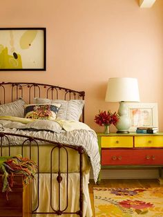 I wouldn't be brave enough to paint a bedside table those colours, but it looks so good, doesn't it?