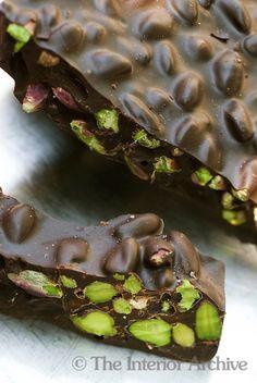 80% fondant chocolate with Bronte pistachios by Corrado Assenza