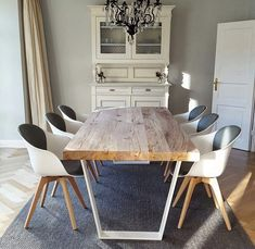 Massivholz Esstische nach Maß von Holzwerk-Hamburg Dining Room Inspiration, Home Decor Inspiration, Decor Ideas, Dining Chairs, Dining Table, Design Tisch, Room Decor, Table Decorations, Living Room