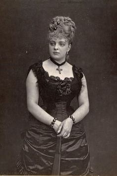 1870s Fashion, Victorian Fashion, Victorian Photography, Victorian Hairstyles, 19th Century Fashion, Female Photographers, Vintage Beauty, Portrait, Hair Dos