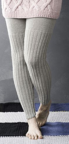 Naisen neulotut villahousut Novita Wool | Novita knits 40/42 400 g myös lapsen 100 - 140 cm knitted legwarmers leg warmers Diy Crochet And Knitting, Crochet Wool, Knitting Socks, Baby Knitting, Warm Leggings, Knit Leggings, Girls In Leggings, How To Purl Knit, Shorts