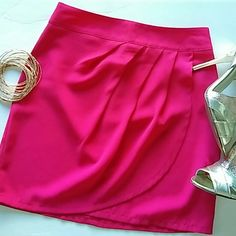 💫Mini skirt with overlay A fresh beautiful color and gorgeous textured skirt with a cute overlay. must have in your closet! Been worn too small now in great condition!! Skirts Mini
