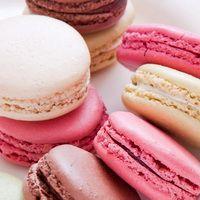 Macaron Wallpaper, Food Wallpaper, Photo Wallpaper, Macaron Cookies, Macaron Recipe, Bonbons Pastel, French Macaroons, Pink Macaroons, Watercolor Cake