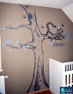Muurschildering Teigetje in een boom in schets-stijl