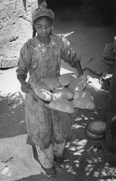 'Egyptian girl with freshly baked bread' by Kerstin Bernhard, 1978 #Expo2015#Milan #WorldsFair