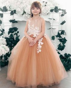 New Beautiful Children Models Princesses 18 Ideas Beautiful Little Girls, Cute Little Girls, Beautiful Children, Young Models, Child Models, Cute Girl Dresses, Flower Girl Dresses, Baby Girl Fashion, Kids Fashion