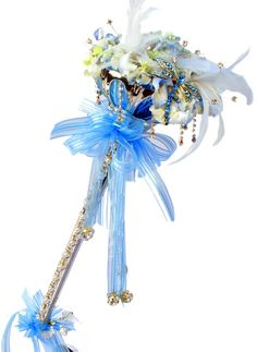 """Design of the Day!  Create something truly unique for prom by using the """"Steppin' Out"""" scepter to make a spectacular bouquet!"""