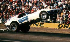 Vintage Drag Racing - Wheelstander - The Fugitive Corvette