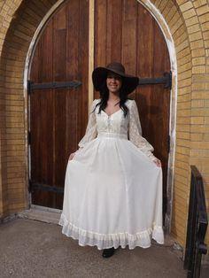 Ivory Lace Prairie Hippie Wedding Bridal Dress Vintage by soulrust