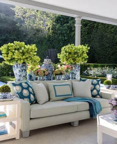 Stephanie Booth Shafran You're Invited Classic Elegant Entertaining new book release Rizzoli Los Angeles hostess Jeffrey Bilhuber interior design home Outdoor Rooms, Outdoor Sofa, Outdoor Living, Outdoor Decor, Outdoor Areas, Outdoor Structures, Garage To Living Space, Living Spaces, Living Room