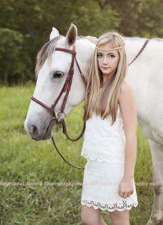 Emotional Accord Photography #bestfriends #horses #tweens