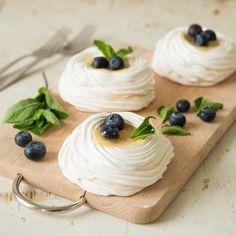 Mini-pavlova's met lemon curd | Macaron Manon for Dille & Kamille