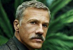 """""""Mo Bro"""": Oscapreisträger Christoph Waltz ist einer der Superstars Hollywoods. Und der Österreicher ist ein """"Mo Bro"""" (kurz für """"Movember Brother"""". """"Movember"""" ist eine Wortneuschöpfung, bestehend aus """"Moustache"""" und """"November"""". Dadurch dass sie sich einen Schnurrbart wachsen lassen, machen Promis auf der ganze Welt auf Männergesundheit aufmerksam. Mehr Bilder des Tages auf: http://www.nachrichten.at/nachrichten/bilder_des_tages/ (Bild: Movember Foundation)"""