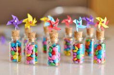 Decora y personaliza las tapas de los frascos de recordatorios para tus mesas dulces. #MesasDulcesCali