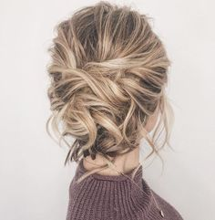 Gorgeous messy wedding updos 13
