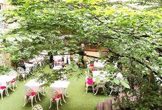 """jardin secret du restaurant """"les climats"""" - 7ème - musée d'orsay - à réserver le midi lorsqu'il fait beau - CHEEEEER"""