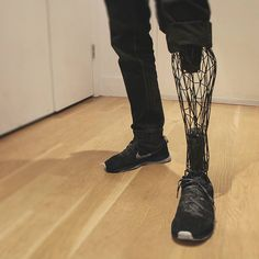 A prosthetic leg designed by industrial designer William Root using 3D printing…