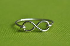 Infinity Ring - great gifts for you and your BFF (by muyinmolly on Etsy)