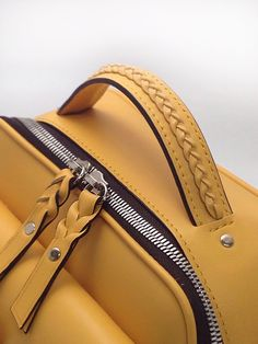 JWC leather | 스토리 Leather Bag Tutorial, Leather Wallet Pattern, Handmade Leather Wallet, Sewing Leather, Leather Handle, Leather Purses, Leather Handbags, Leather Duffle Bag, Leather Workshop